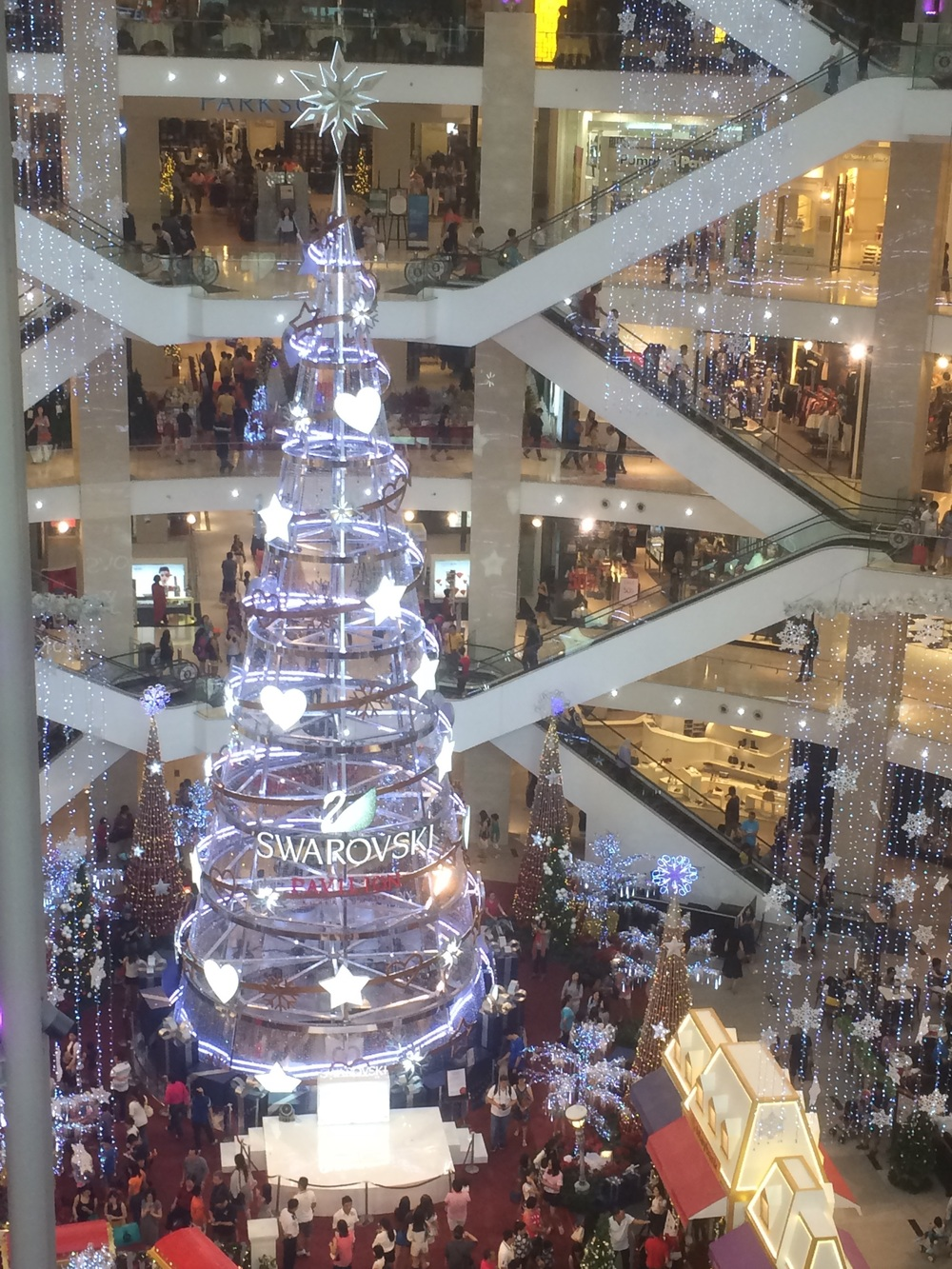 Largest Swarvosky Christmas tree in Asia!