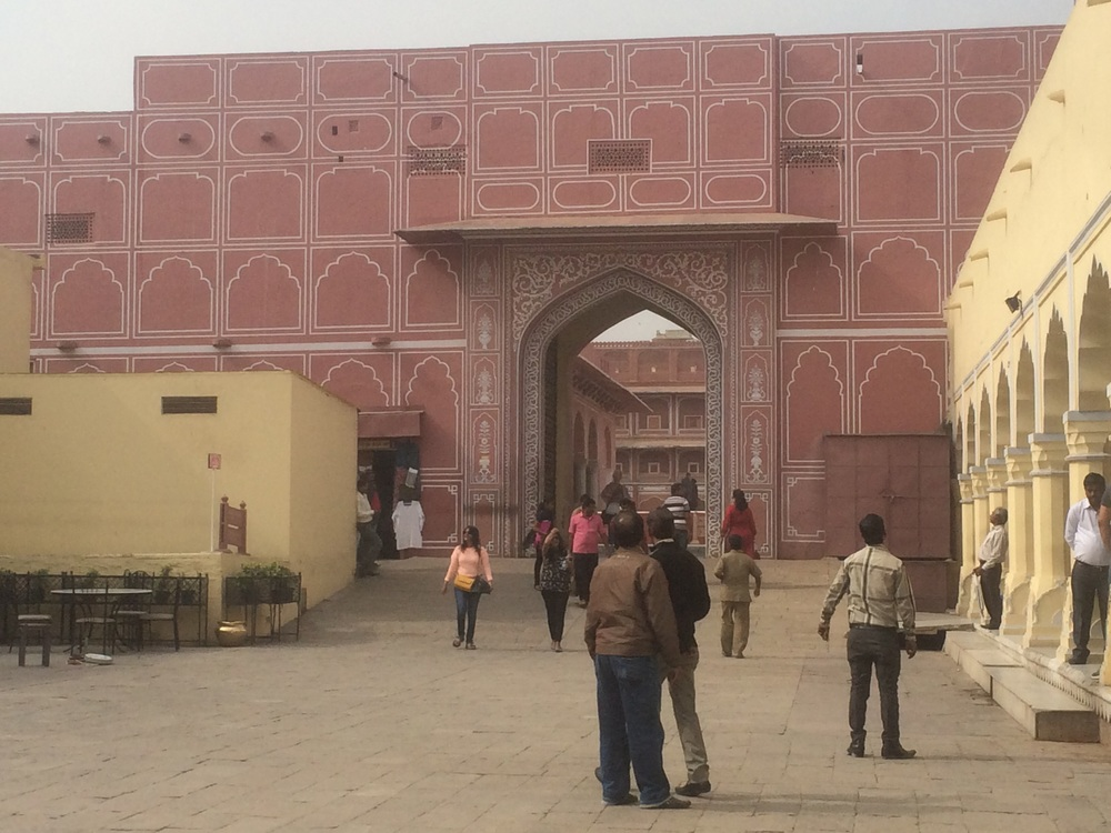 The gate into Old Jaipur